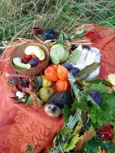 Altar mit Herbst- und Erntesymbolen